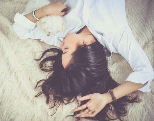 The Sleep Pattern Linked To Lower Depression Risk (S) post image