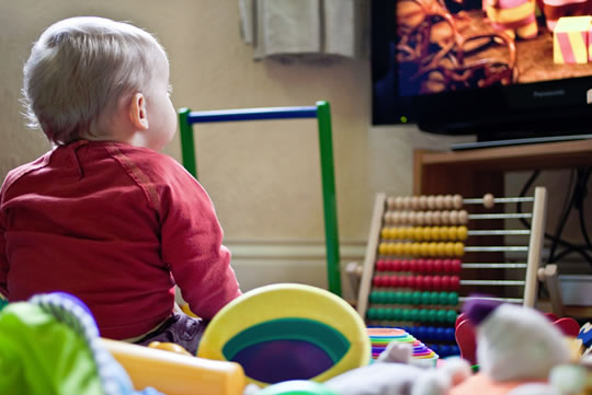 One Extra Hour of TV Reduces Toddlers' Kindergarten Chances post image