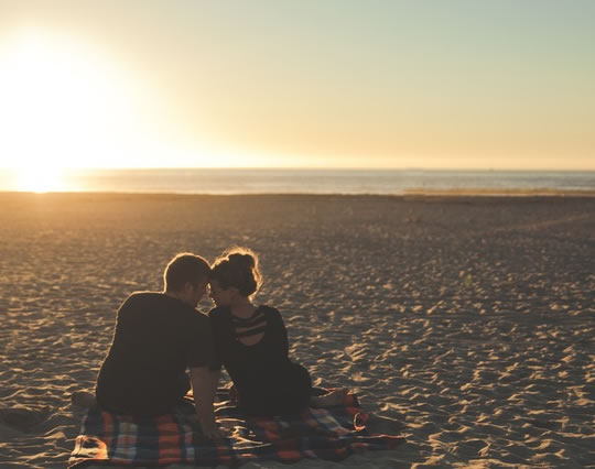 Happy Couples Automatically Use Mental Trick To Stay Faithful post image
