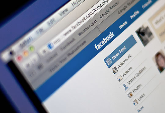 Facebook or Twitter? How Age and Narcissism Motivates The Choice post image