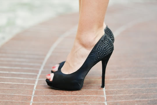What High Heels Say About Your Desire For More Status post image