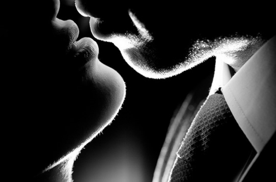 Kissing: Its Vital Role in Choosing and Keeping Partners post image