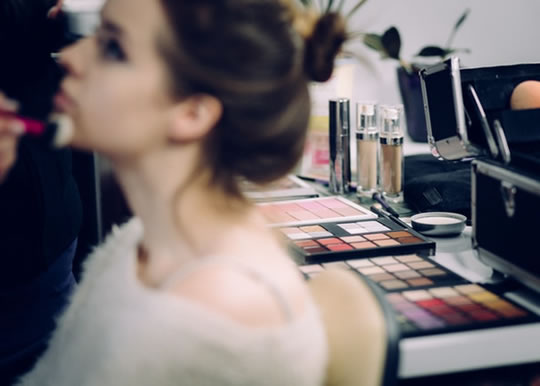The Amount Of Makeup That Is Most Attractive (S) post image