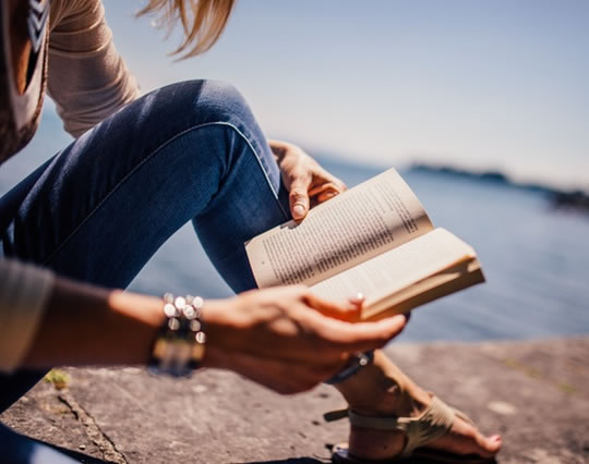7 Ways Reading Enhances Both Mind And Body post image