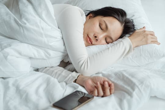 The Sleep Schedule That Increases Depression Risk post image
