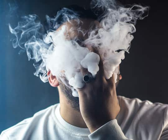 Quit Smoking: Vaping Is Twice As Effective As Nicotine Patches post image