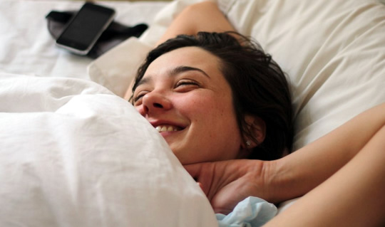 10 Rules From Sleep Experts To Help You Wake Up Refreshed Every Morning post image